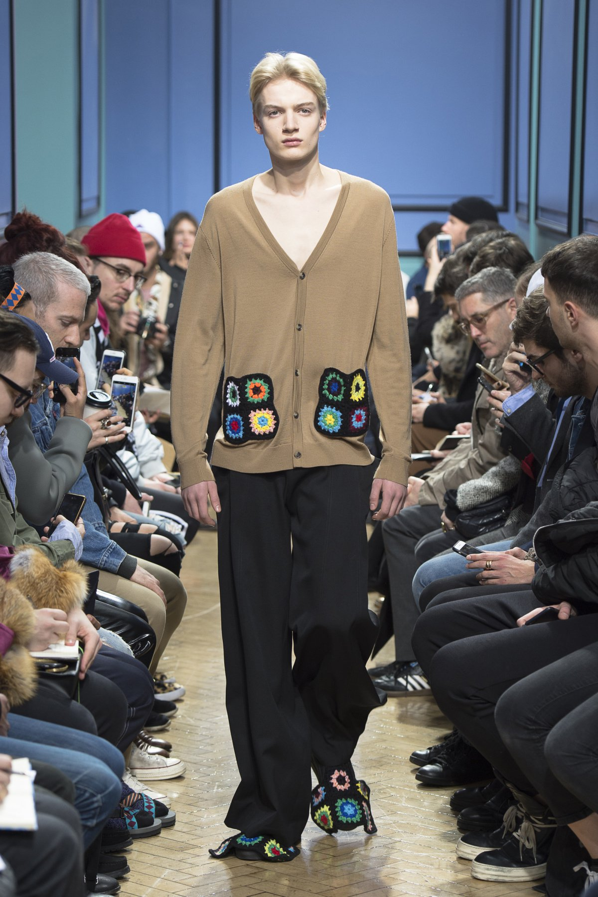 j_w_anderson_look_4_2017_aw_mens.jpeg