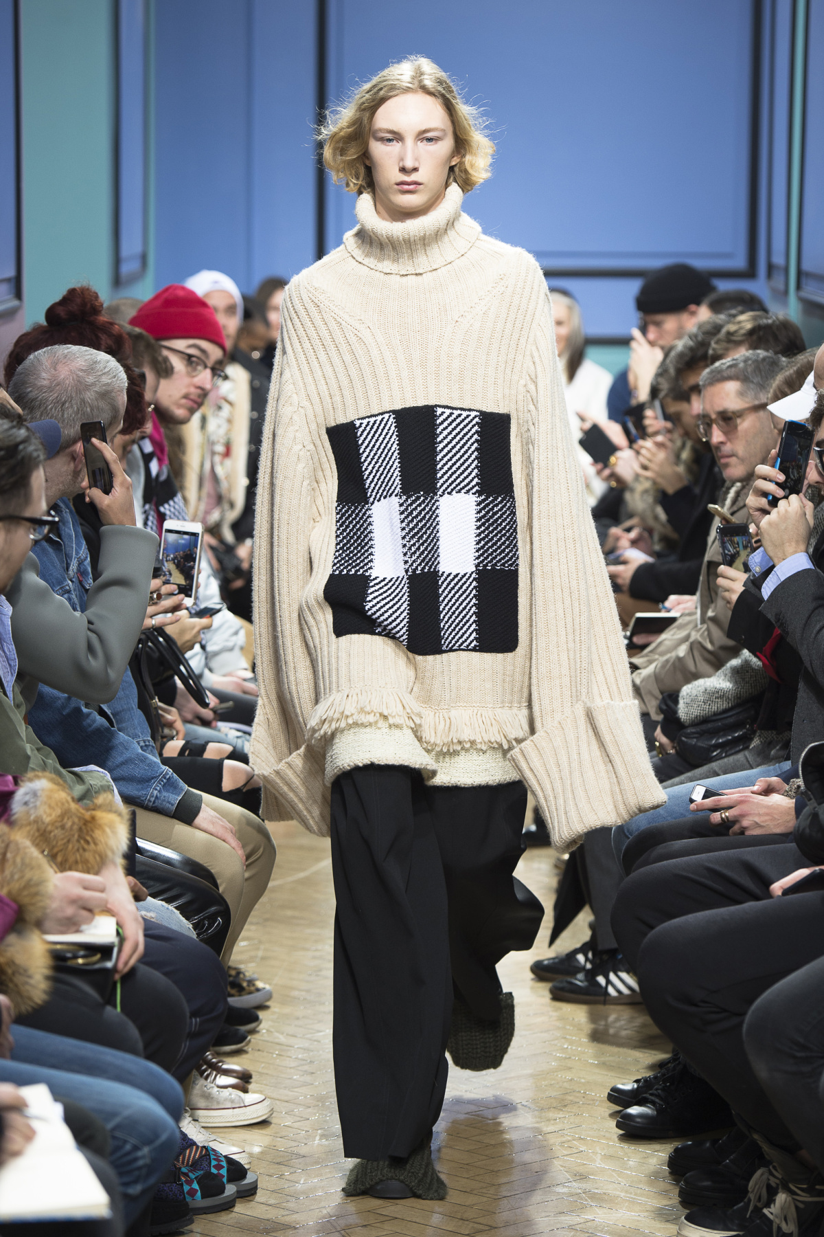 j_w_anderson_look_3_2017_aw_mens.jpeg