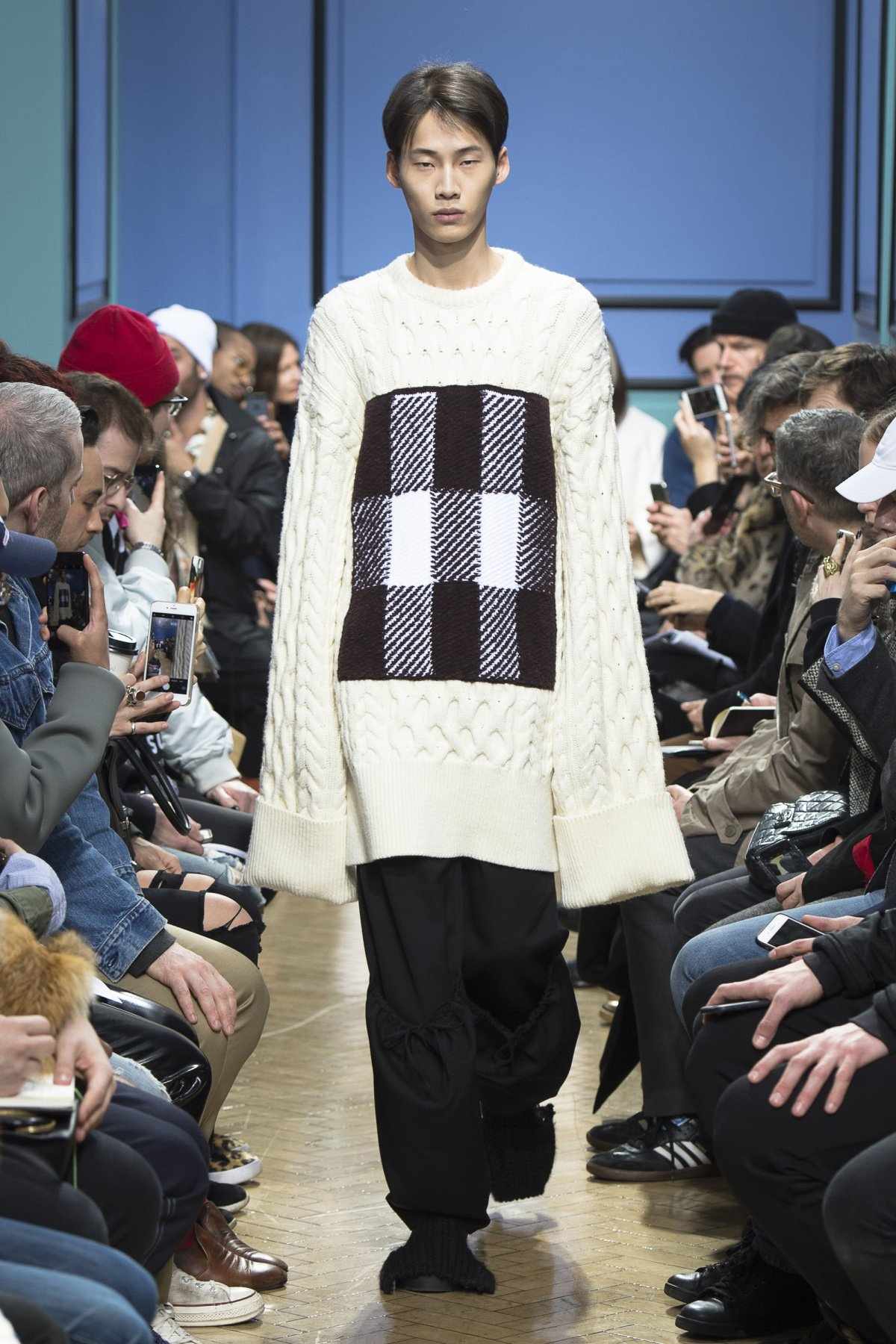 j_w_anderson_look_8_2017_aw_mens.jpeg