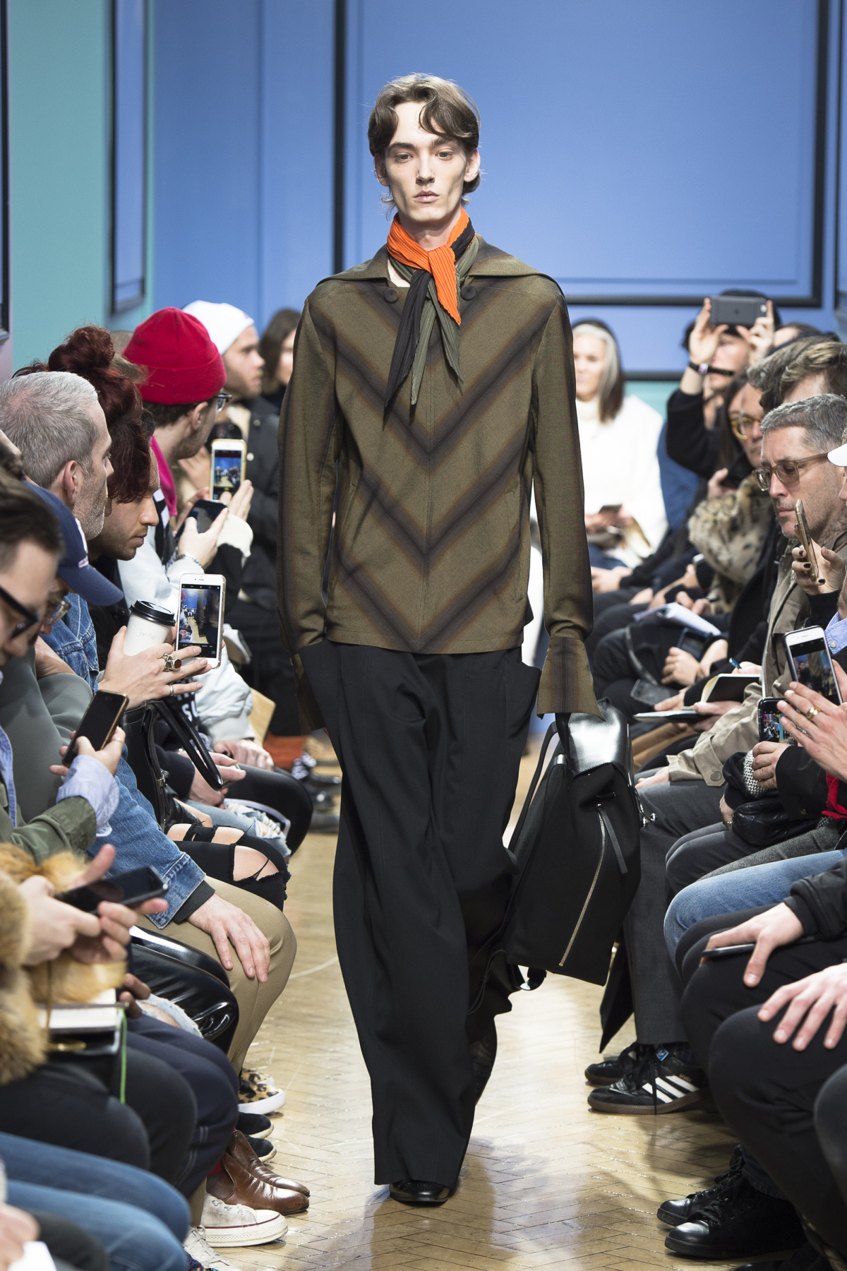 j_w_anderson_look_17_2017_aw_mens.jpeg