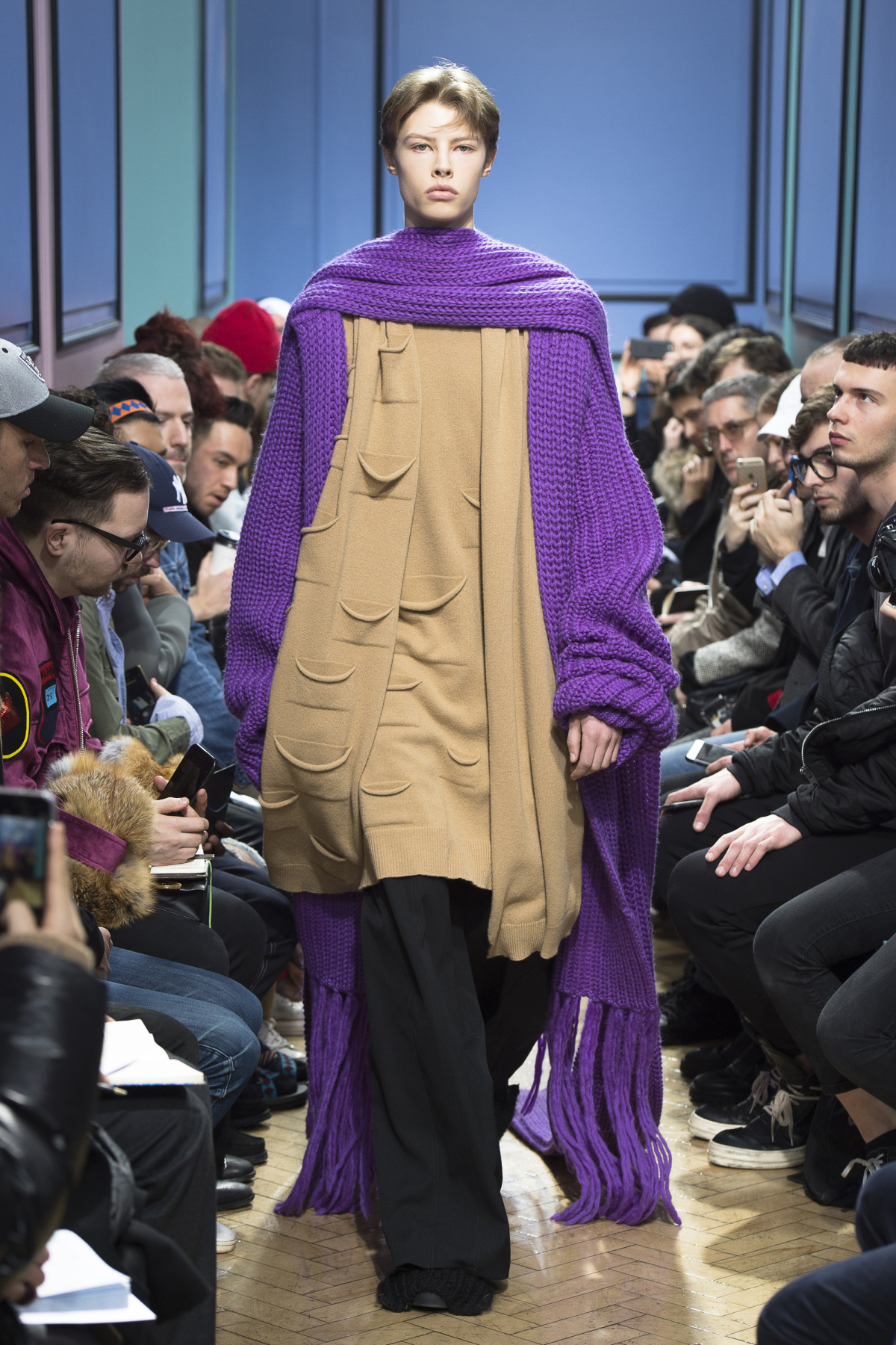 j_w_anderson_look_21_2017_aw_mens.jpeg