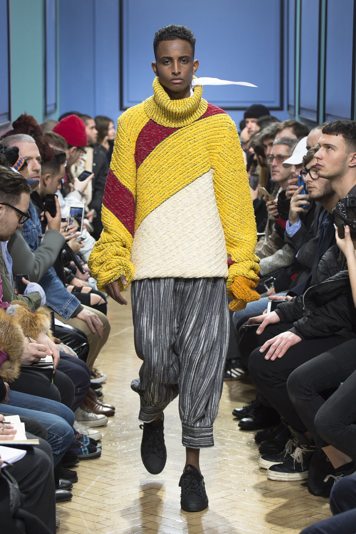 j_w_anderson_look_29_2017_aw_mens.jpeg