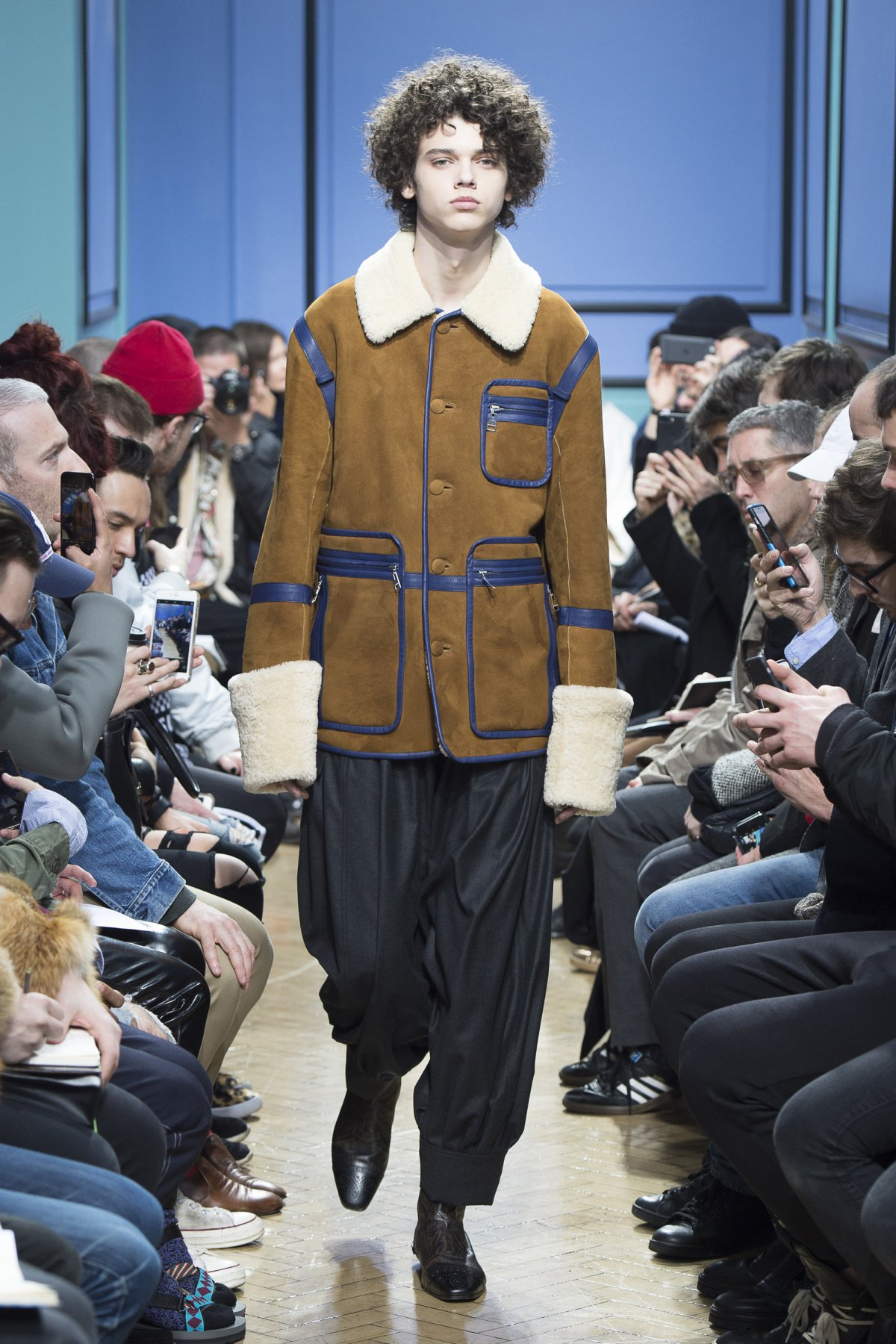 j_w_anderson_look_34_2017_aw_mens.jpeg