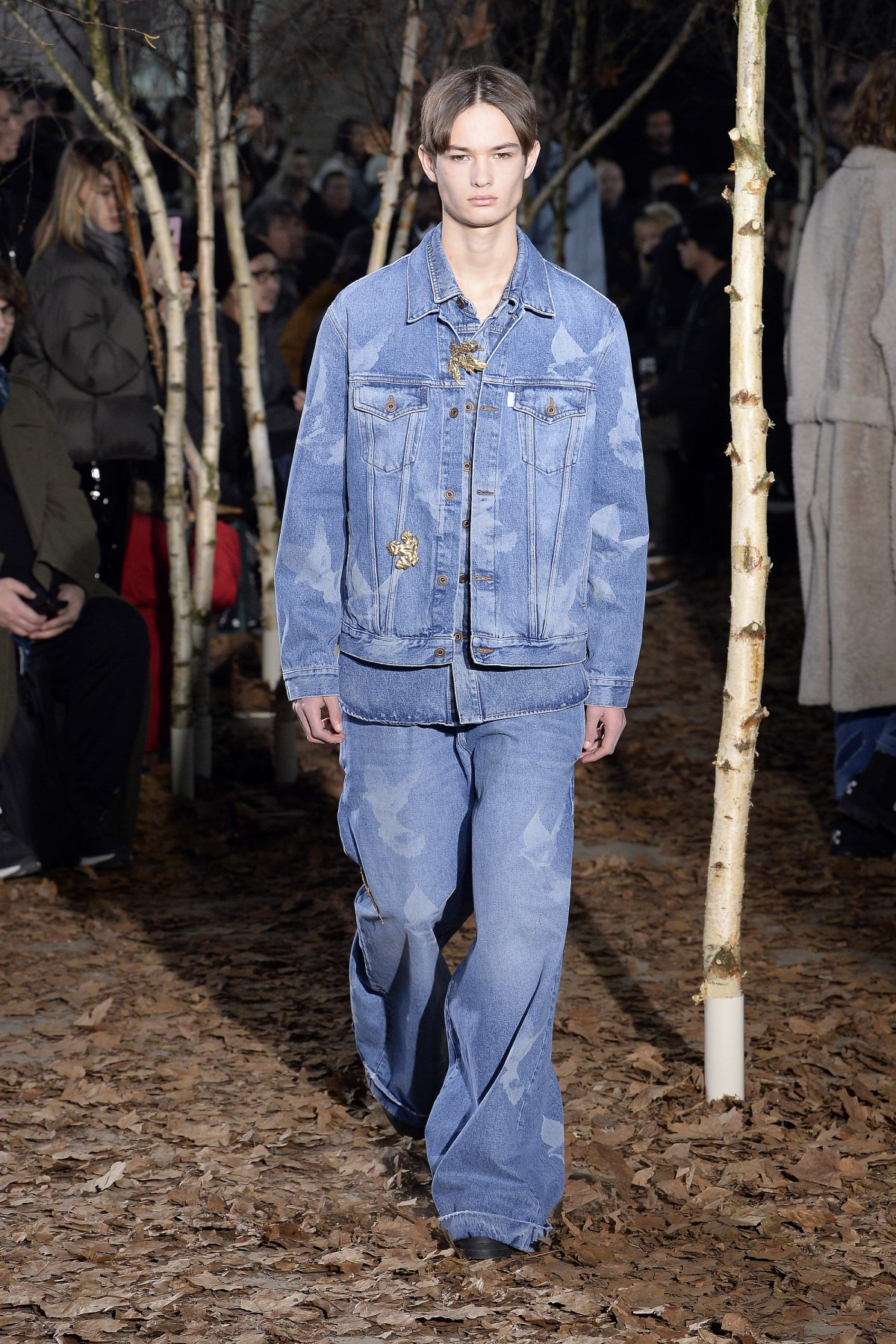off_white_look_3_2017_aw_mens.jpeg