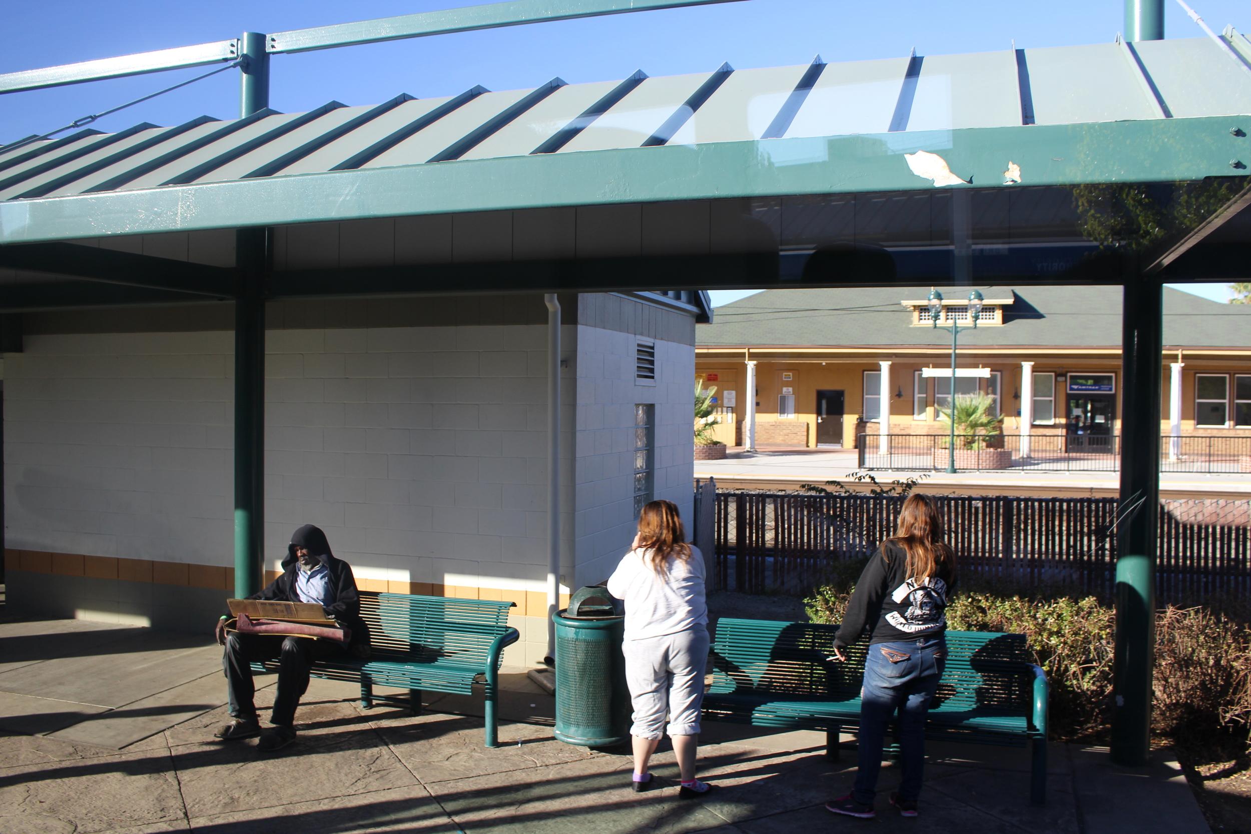 Station de Bus Greyhound quelque part en Caliofrnie