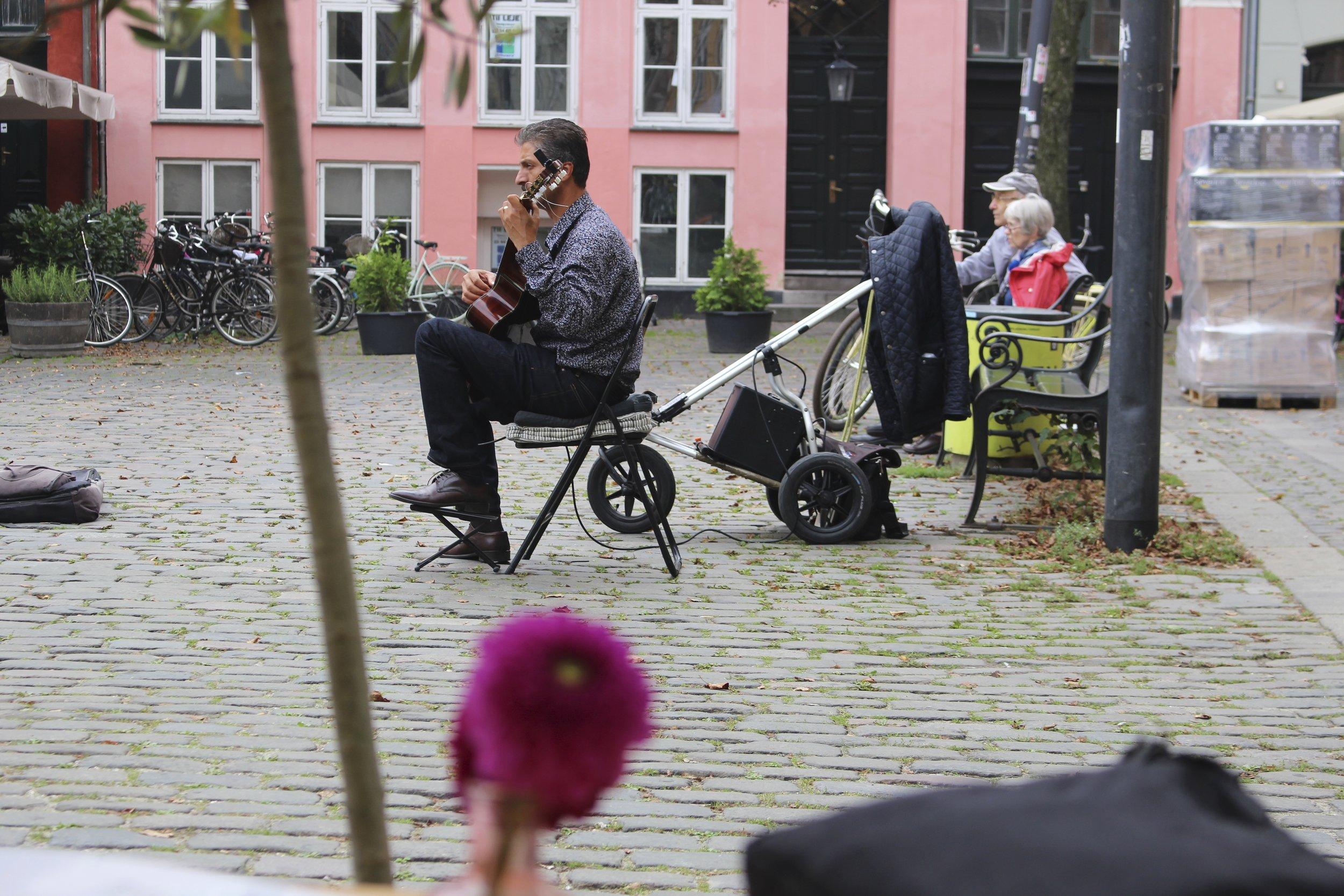 Sur une place à Copenhague :)
