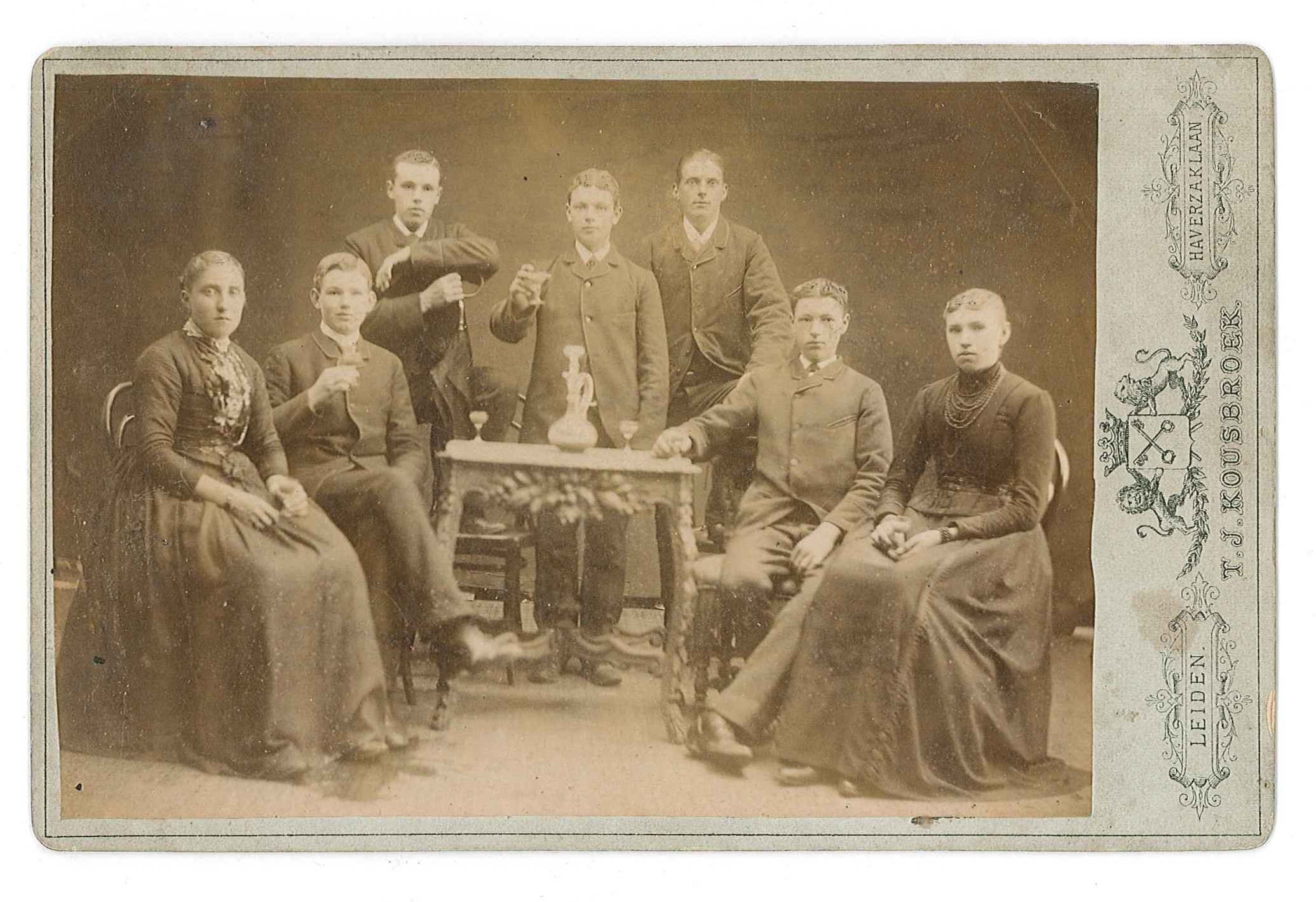 Opoe Rietbroek met haar familie ca 1890