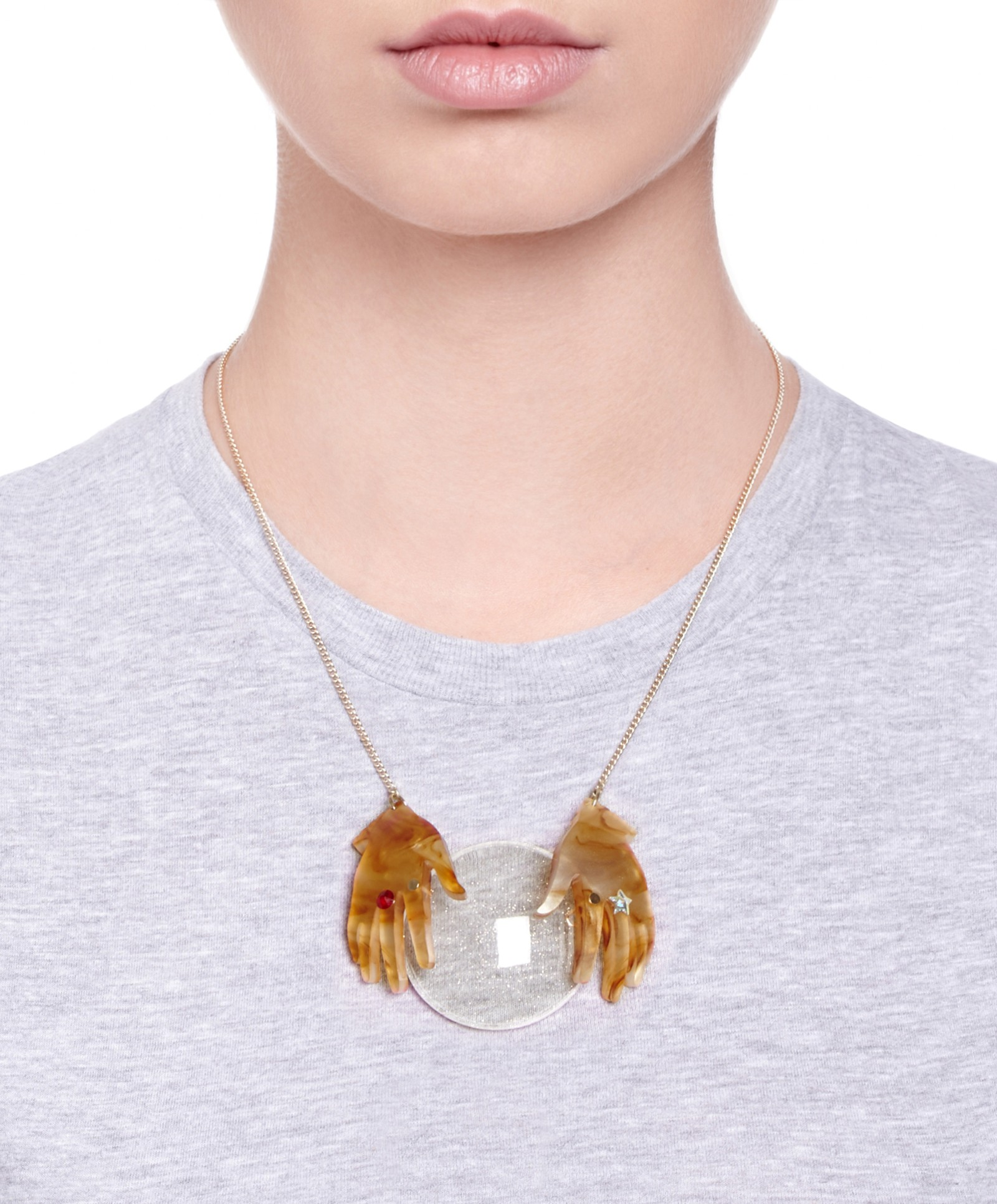 fortune_teller_hands_necklace_03.jpg