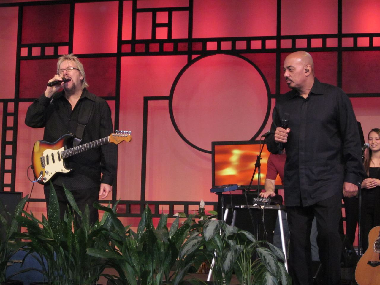 David Pack & James Ingram Saddleback Mar 2010.jpg