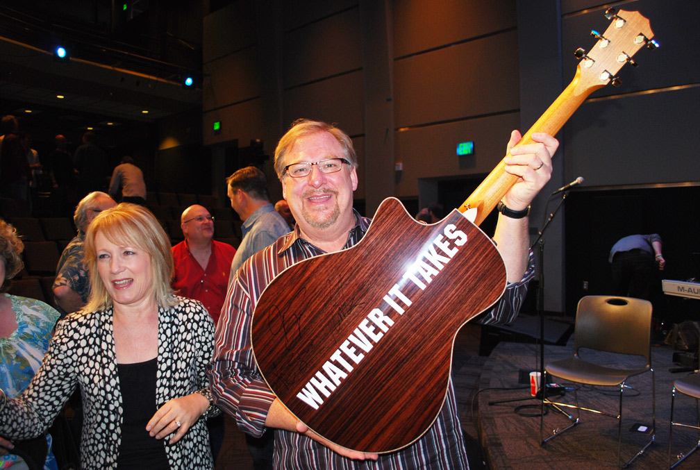 Rick-Warren-with-guitar-back-WEB.jpg