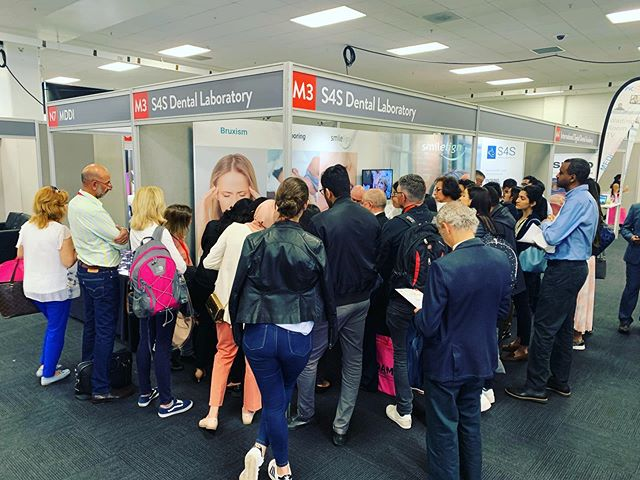 Great audience for @drbarryoulton SCi demonstration this morning! If you missed out make sure you come along at 14:00 today, stand M3 - @fmcpro #londondentistryshow