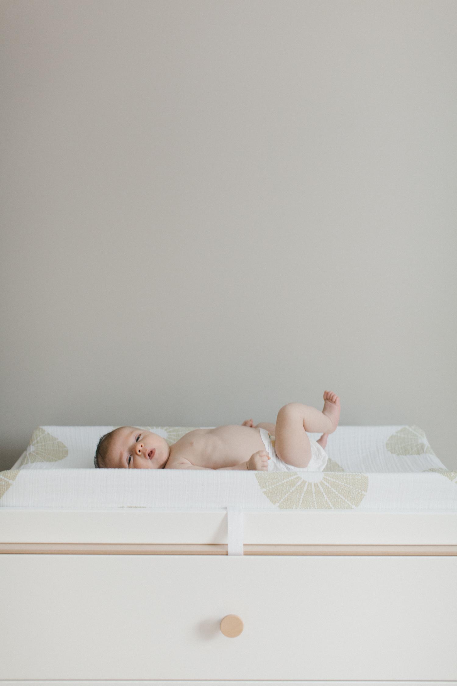 Lifestyle Family and Newborn Photography Michigan Photographer-012.jpg