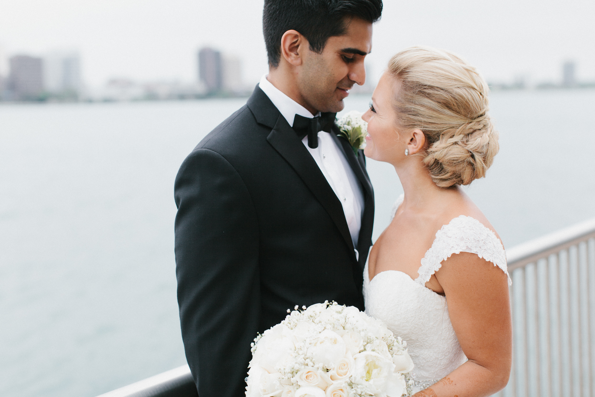 Detroit Michigan Lifestyle Wedding Photographer Mae Stier-074.jpg