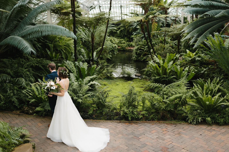 Chicago Garfield Park Conservatory Wedding by Northern Michigan Photographer Mae Stier-031.jpg