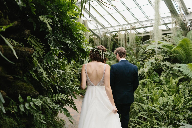 Chicago Garfield Park Conservatory Wedding by Northern Michigan Photographer Mae Stier-035.jpg