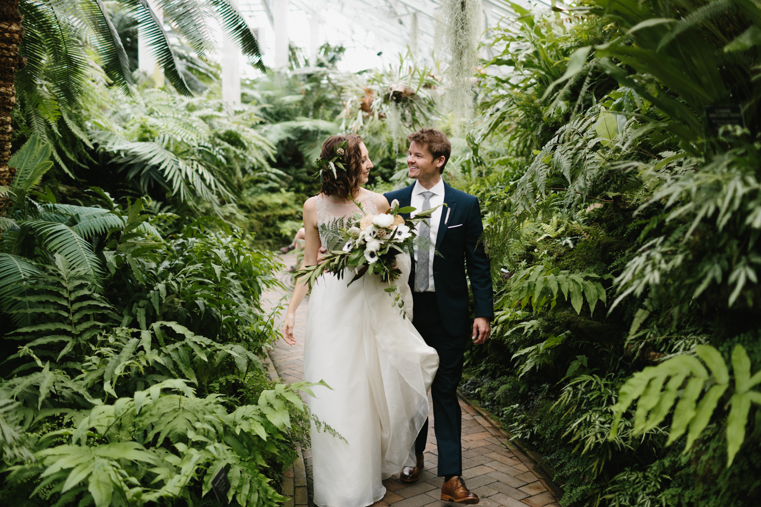 Chicago Garfield Park Conservatory Wedding by Northern Michigan Photographer Mae Stier-036.jpg