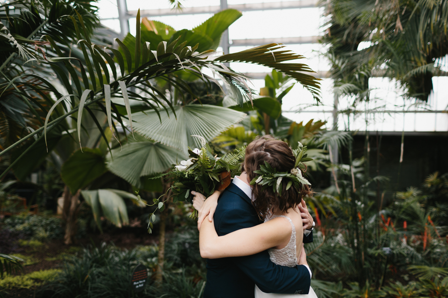 Chicago Garfield Park Conservatory Wedding by Northern Michigan Photographer Mae Stier-038.jpg