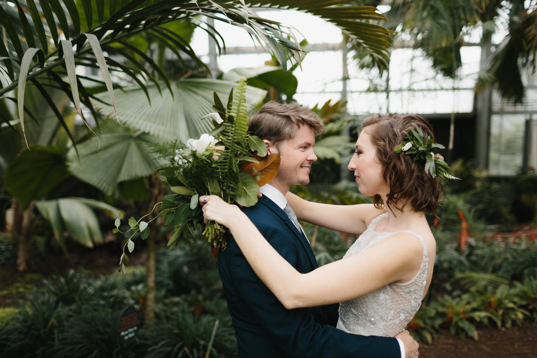 Chicago Garfield Park Conservatory Wedding by Northern Michigan Photographer Mae Stier-040.jpg