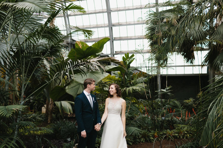 Chicago Garfield Park Conservatory Wedding by Northern Michigan Photographer Mae Stier-041.jpg