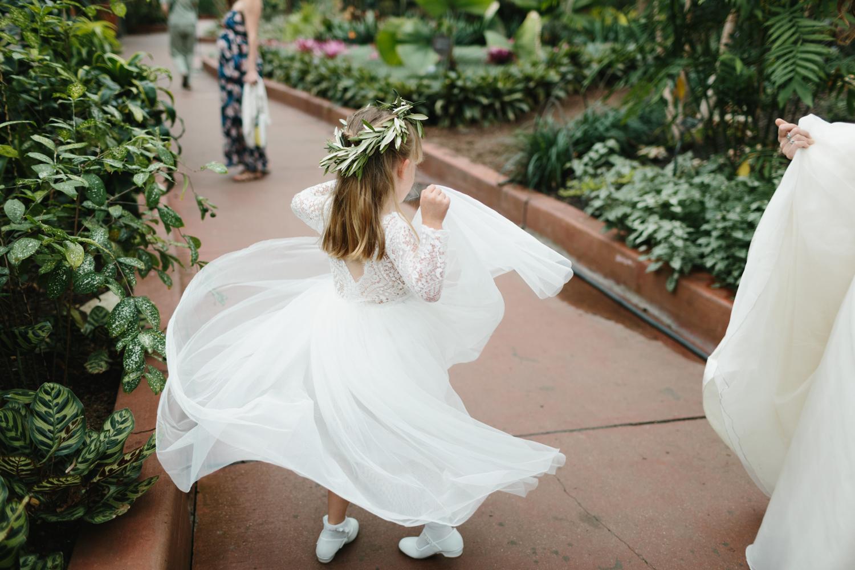 Chicago Garfield Park Conservatory Wedding by Northern Michigan Photographer Mae Stier-043.jpg
