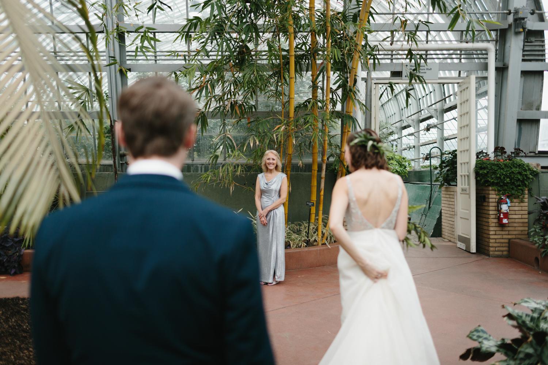 Chicago Garfield Park Conservatory Wedding by Northern Michigan Photographer Mae Stier-045.jpg