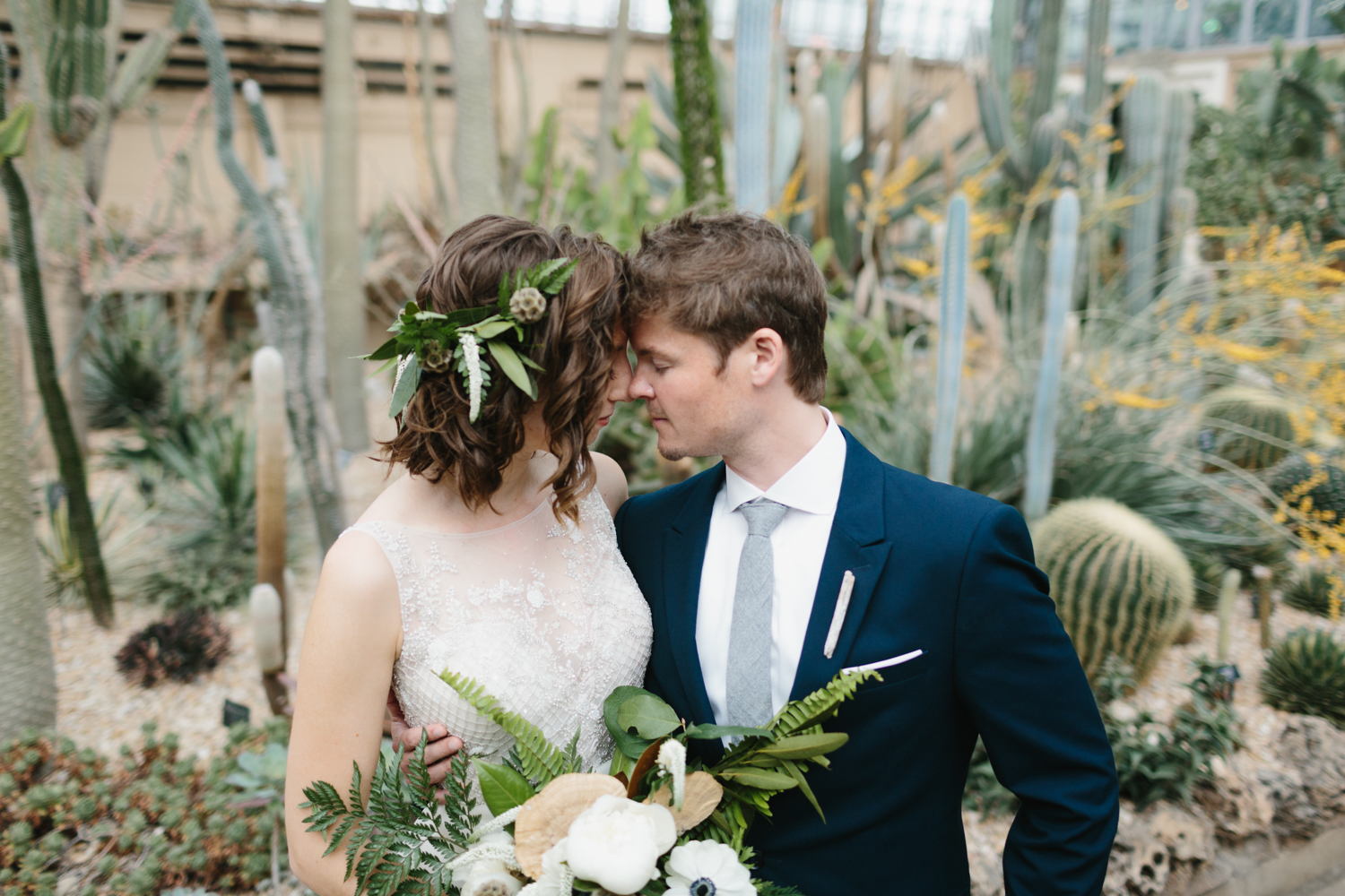 Chicago Garfield Park Conservatory Wedding by Northern Michigan Photographer Mae Stier-049.jpg