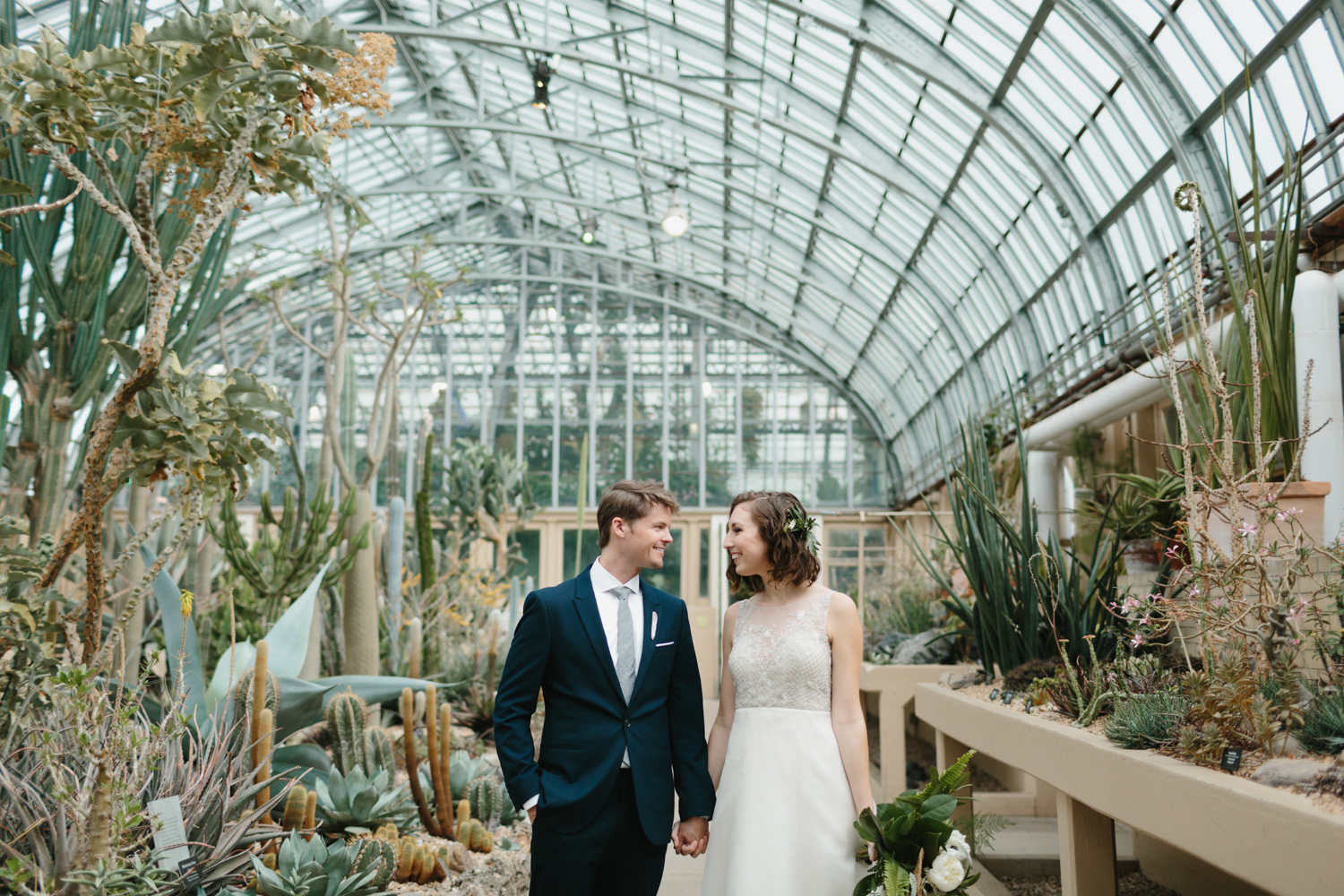 Chicago Garfield Park Conservatory Wedding by Northern Michigan Photographer Mae Stier-051.jpg