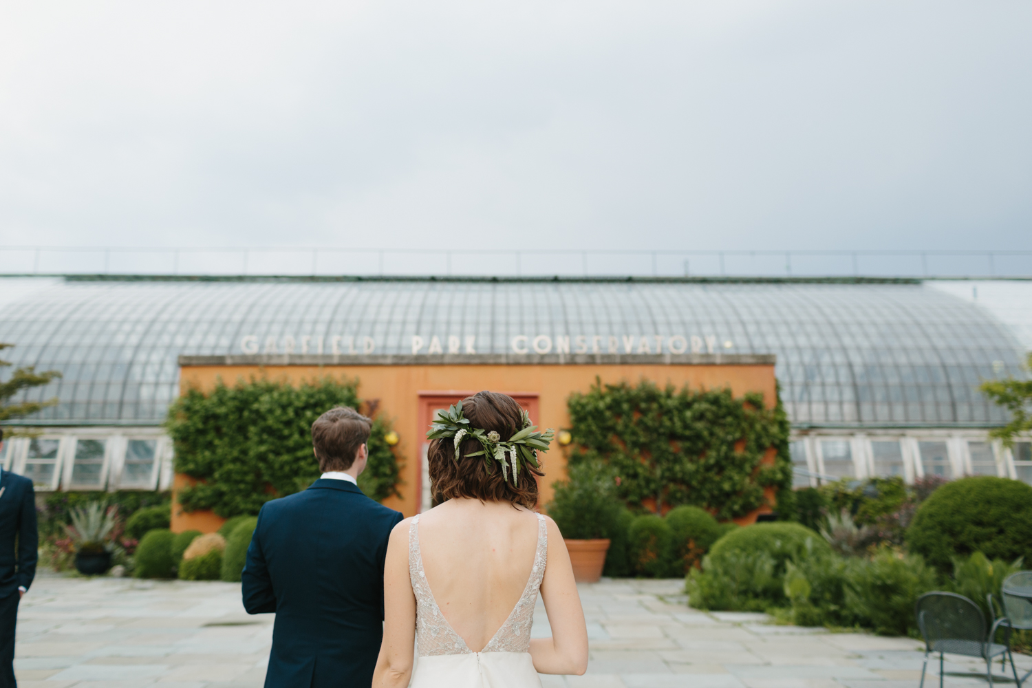 Chicago Garfield Park Conservatory Wedding by Northern Michigan Photographer Mae Stier-054.jpg