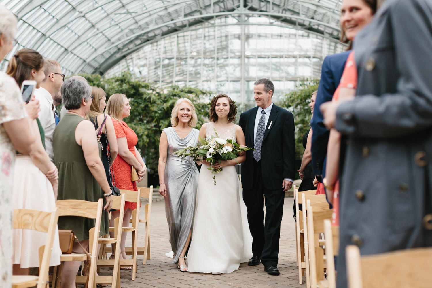 Chicago Garfield Park Conservatory Wedding by Northern Michigan Photographer Mae Stier-058.jpg
