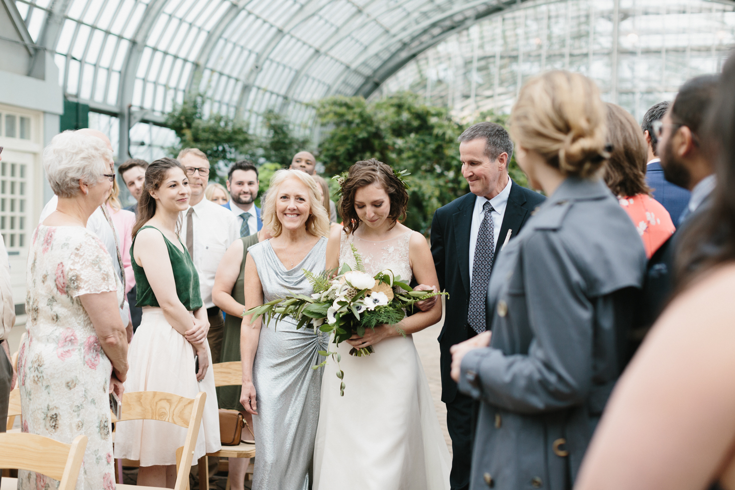 Chicago Garfield Park Conservatory Wedding by Northern Michigan Photographer Mae Stier-059.jpg