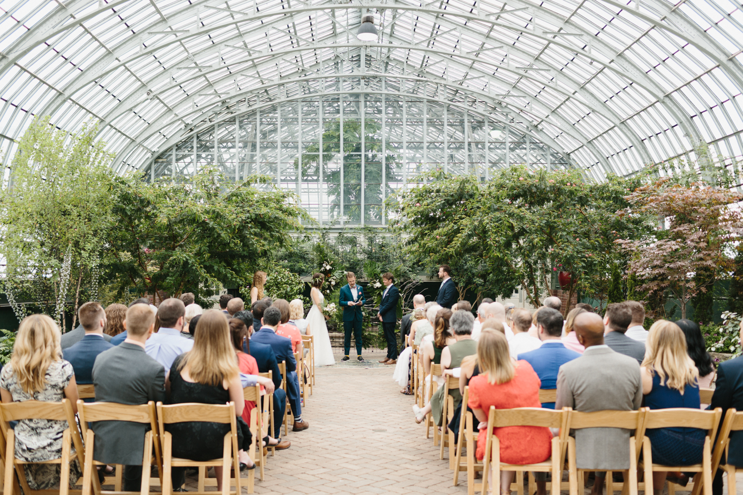 Chicago Garfield Park Conservatory Wedding by Northern Michigan Photographer Mae Stier-061.jpg