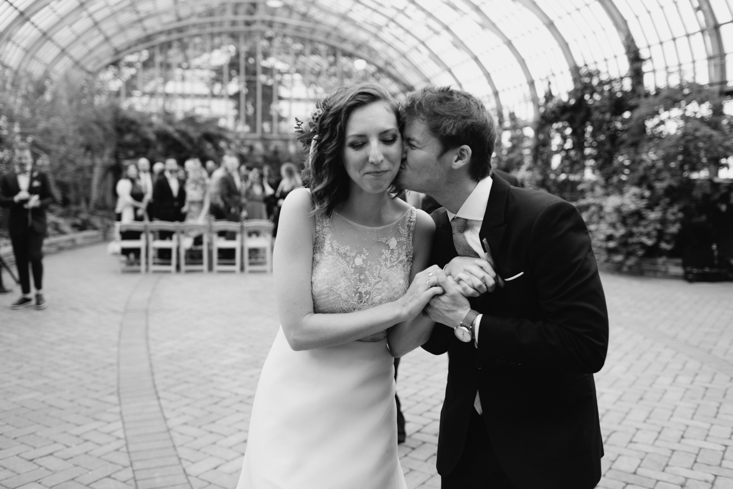 Chicago Garfield Park Conservatory Wedding by Northern Michigan Photographer Mae Stier-068.jpg