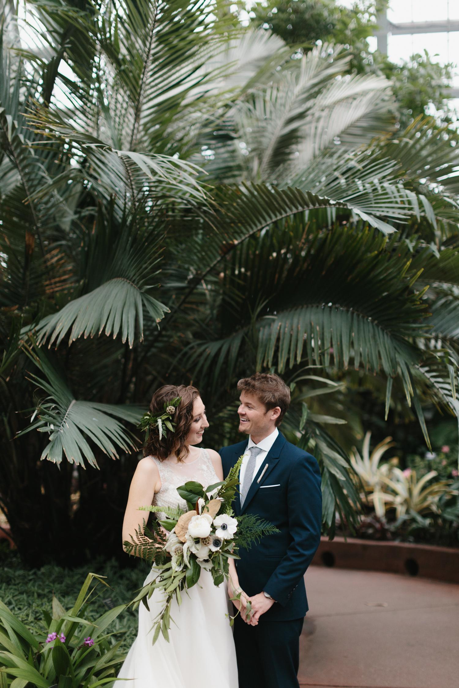 Chicago Garfield Park Conservatory Wedding by Northern Michigan Photographer Mae Stier-094.jpg