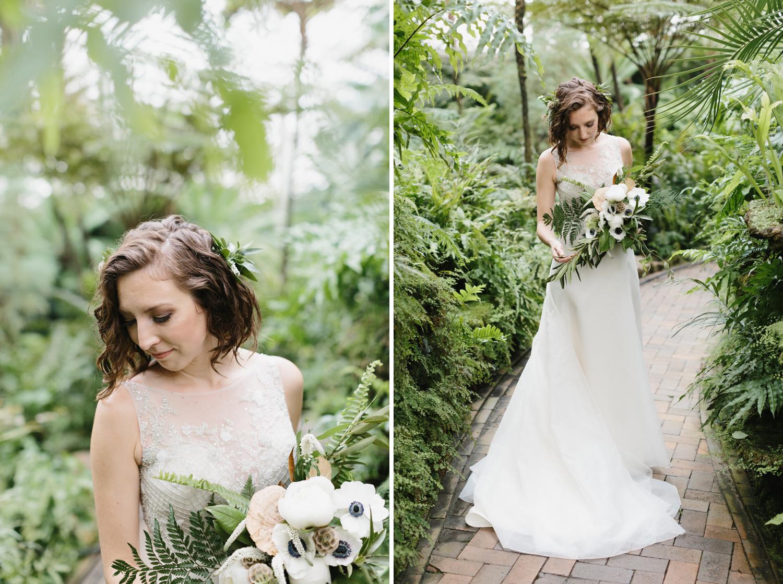 Chicago Garfield Park Conservatory Wedding by Northern Michigan Photographer Mae Stier-007.jpg