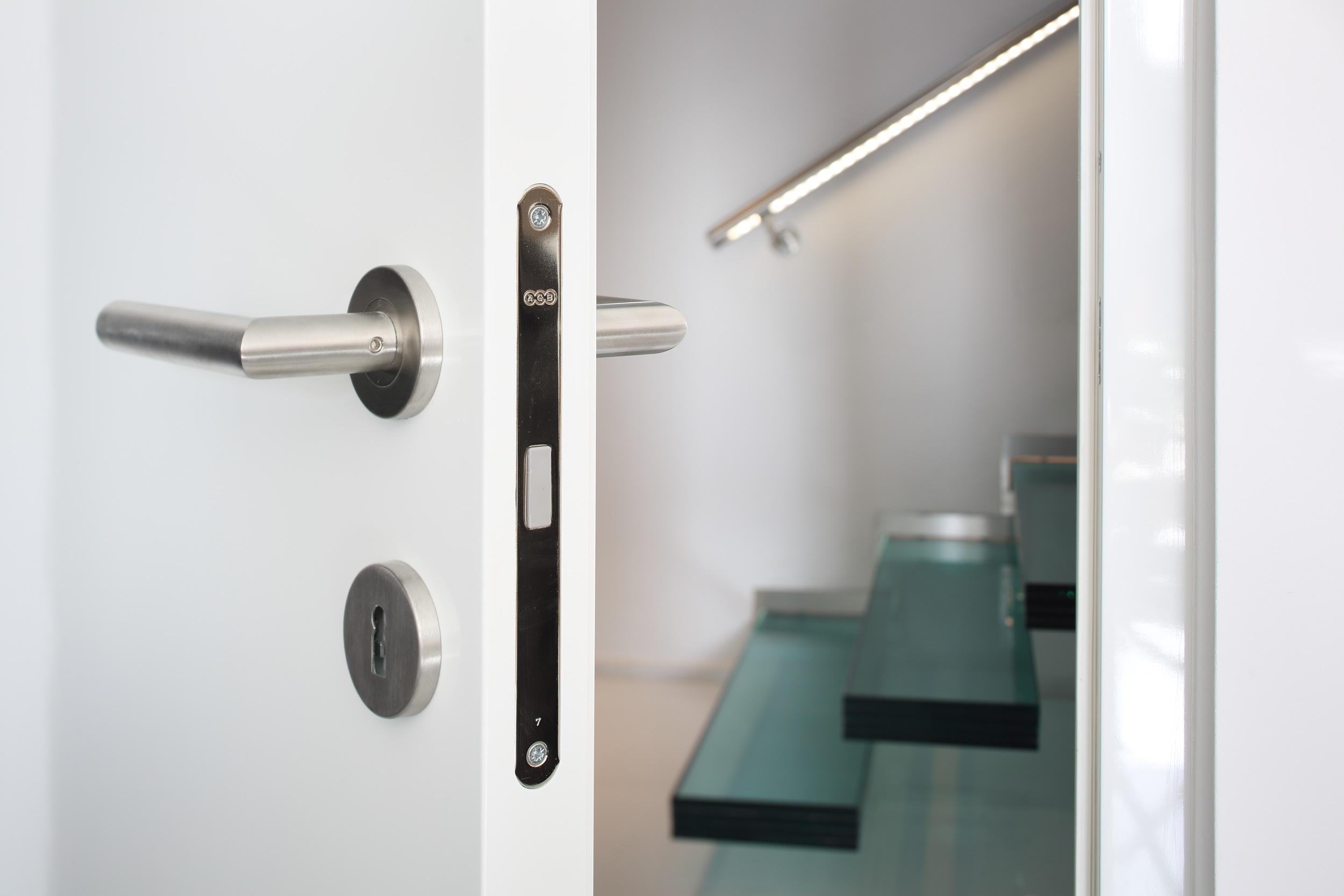 Beim Zukauf von Türen, Fenster, Beschlägen,... achten wir auf beste Qualität.
