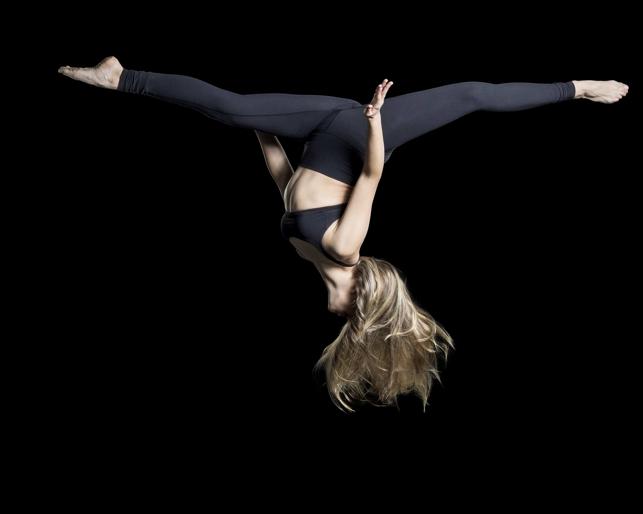 Perfect form on being upside down.