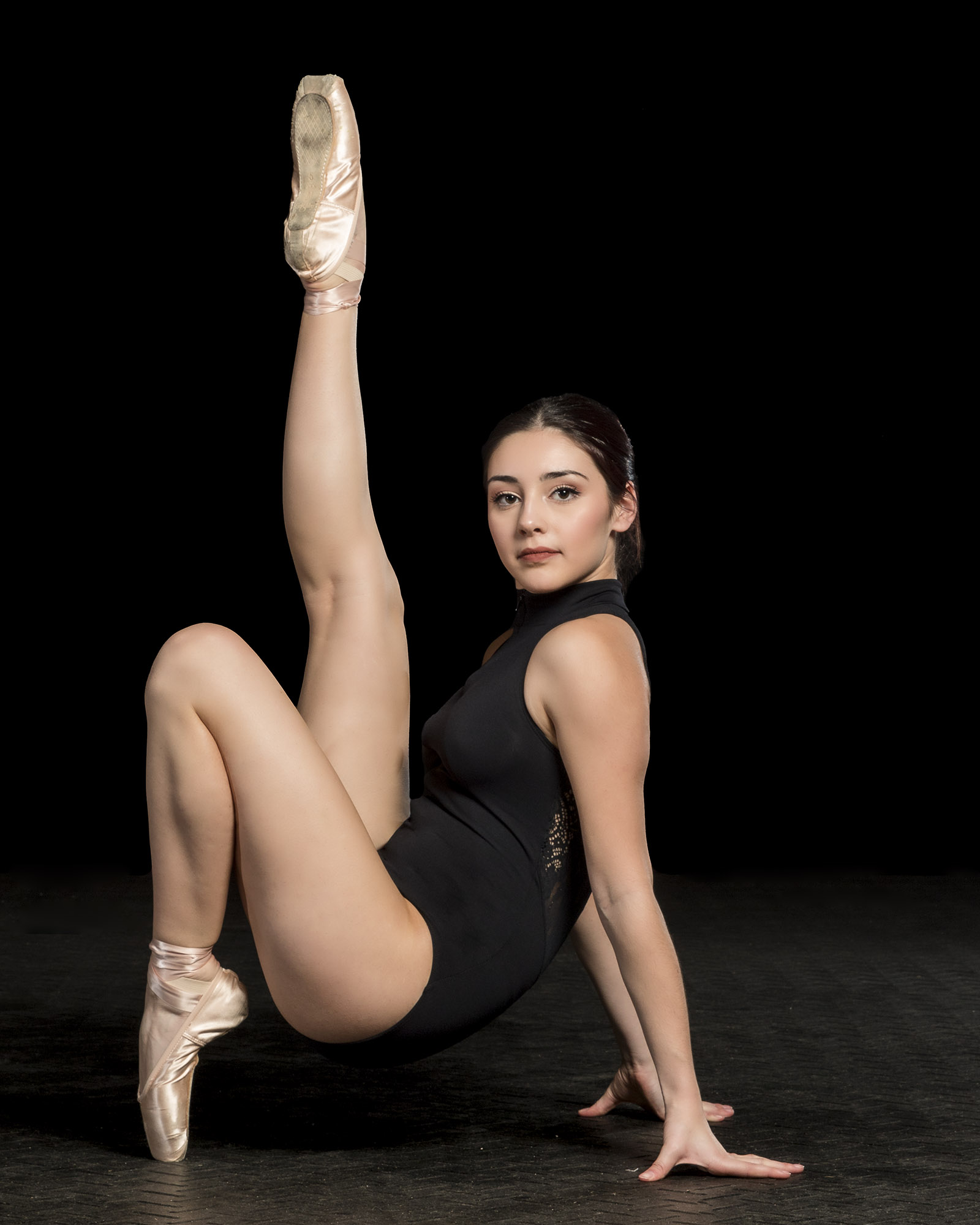 Simple stretch en pointe.