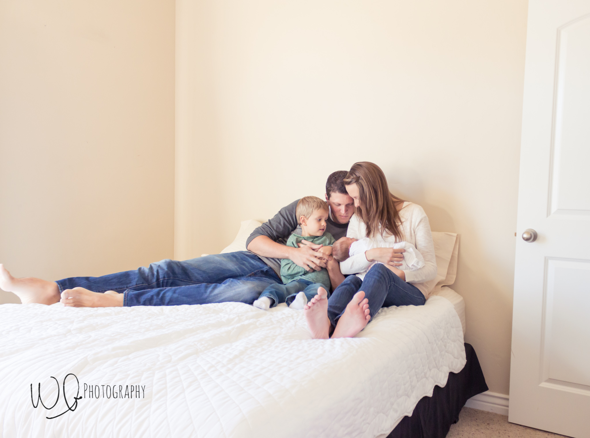 Lifestyle newborn pictures, Utah County