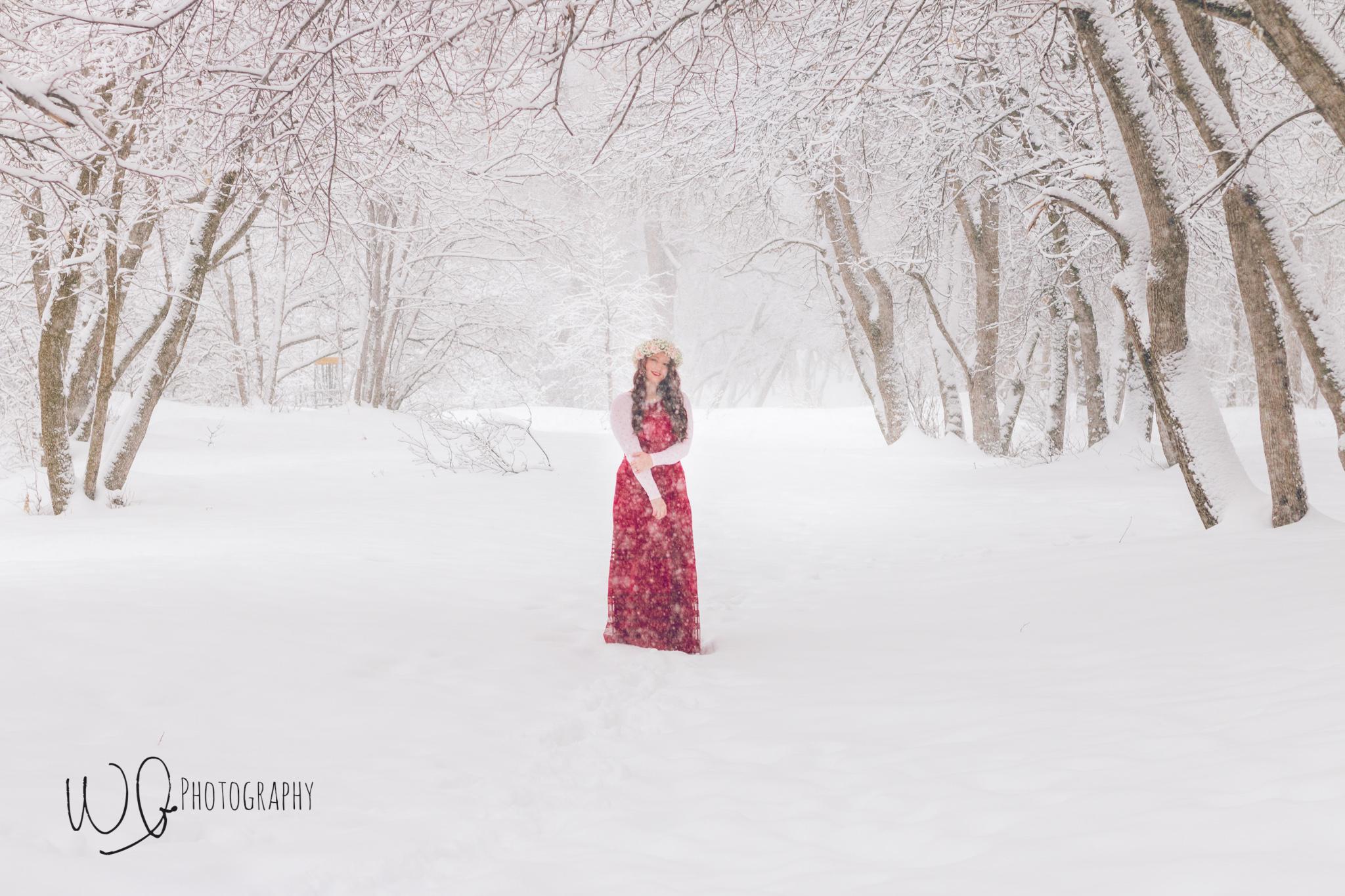 Senior photos, winter photo shoot