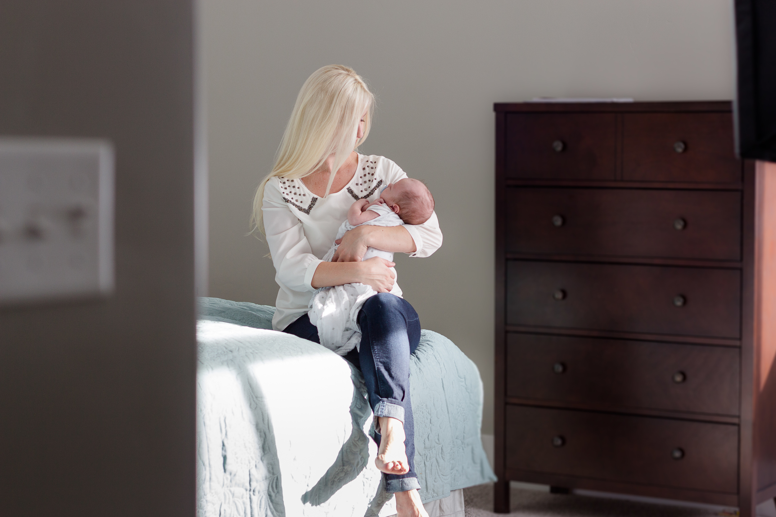 10 ways to make your lifestyle newborn photo shoot a success