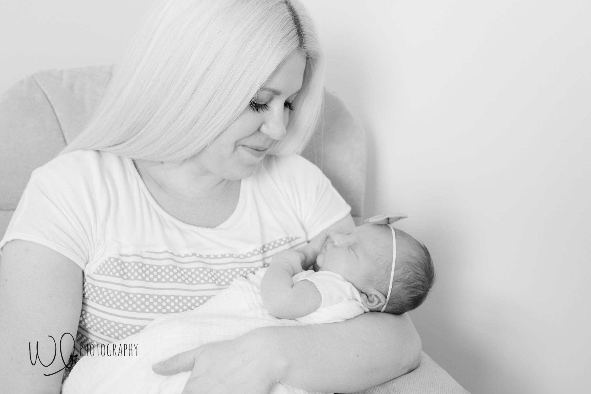 Lifestyle newborn photography, Utah County