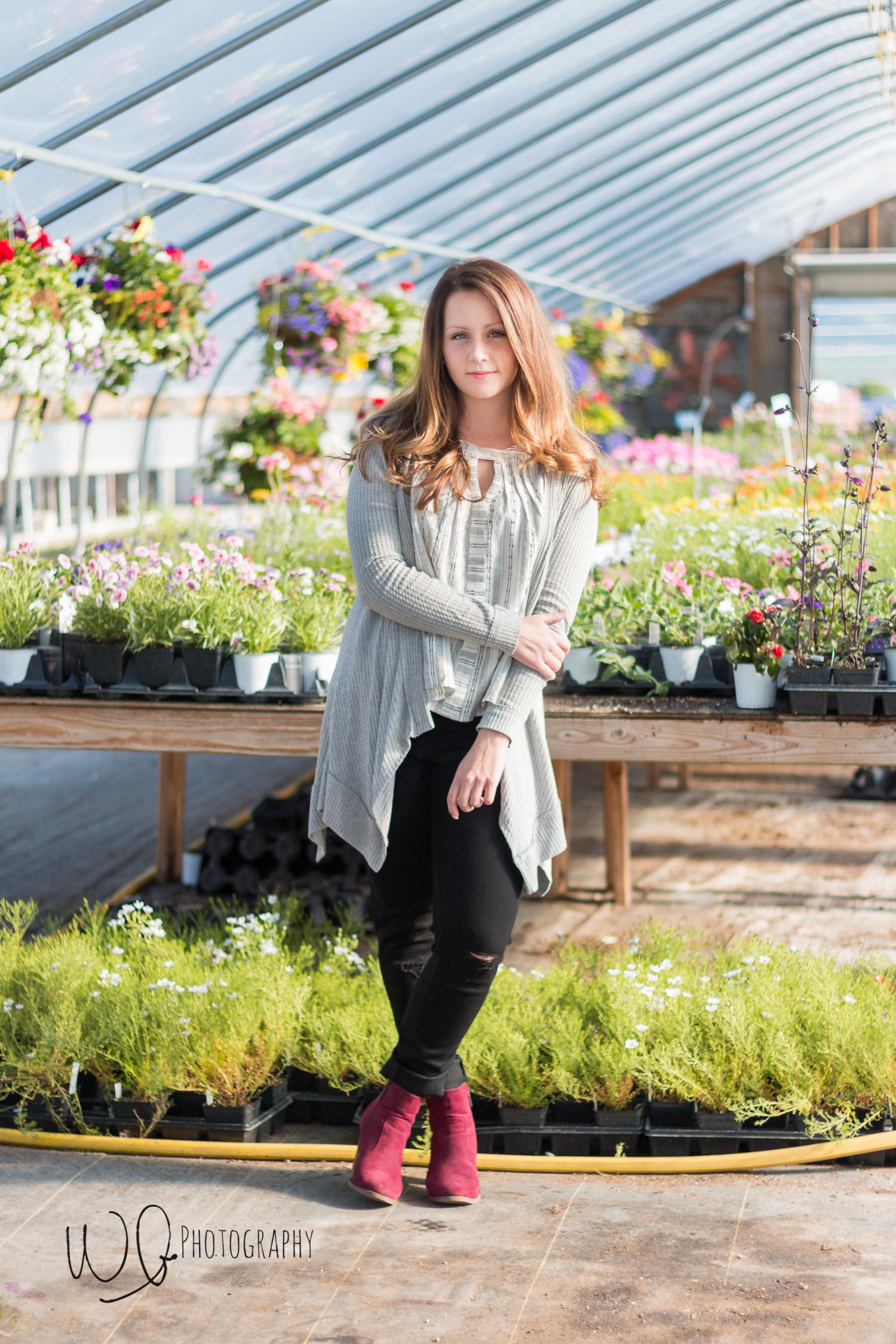 greenhouse senior pictures in Utah