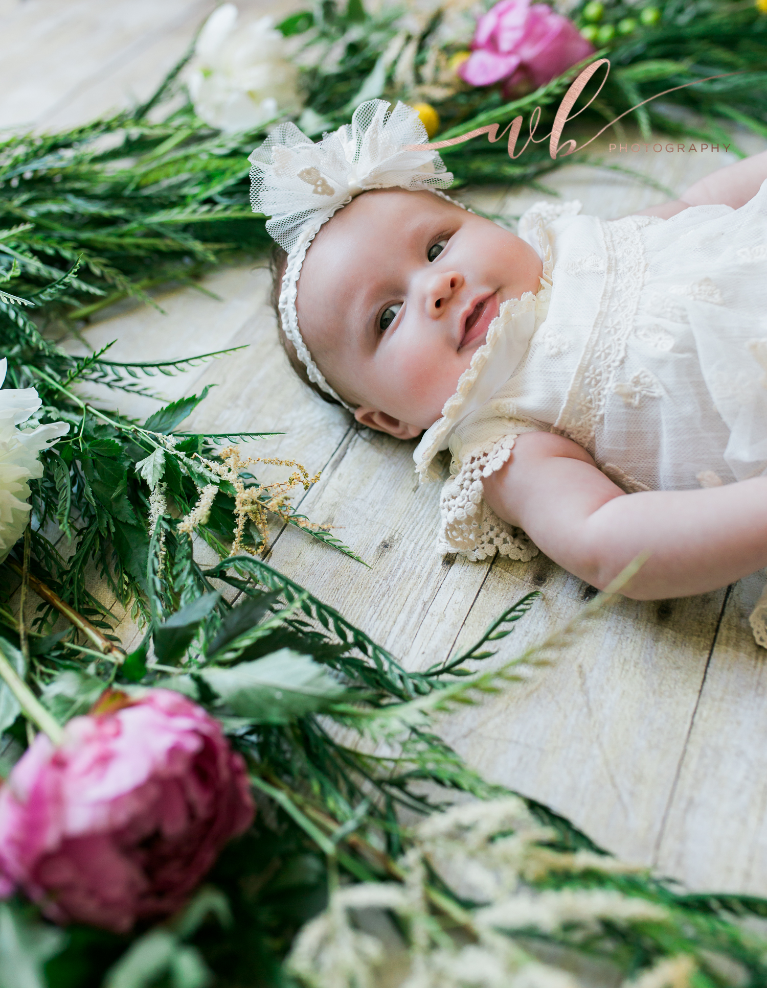 baby pictures with fresh flowers
