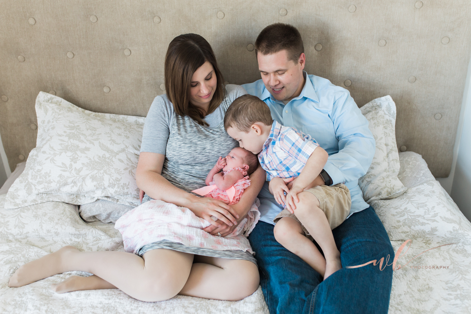 Utah County lifestyle newborn photographer