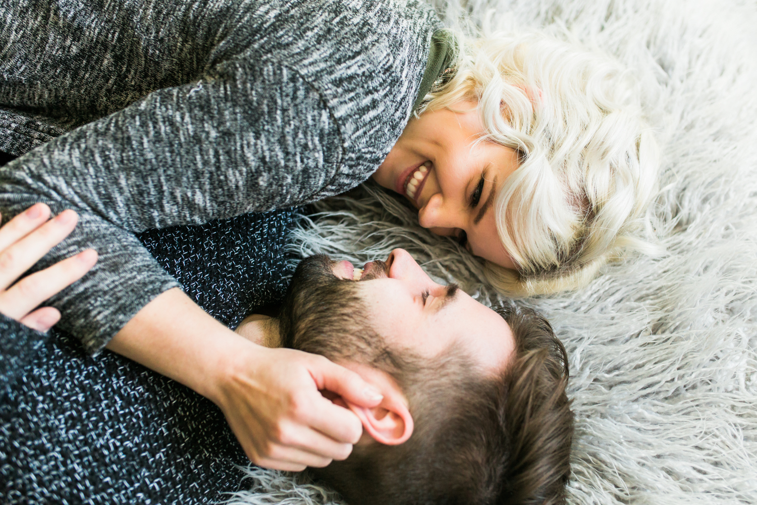 husband and wife in home photo shoot