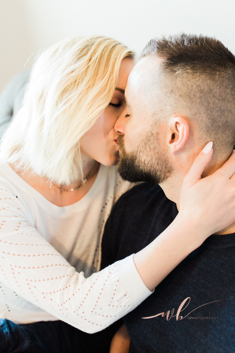 couples in home photo shoot