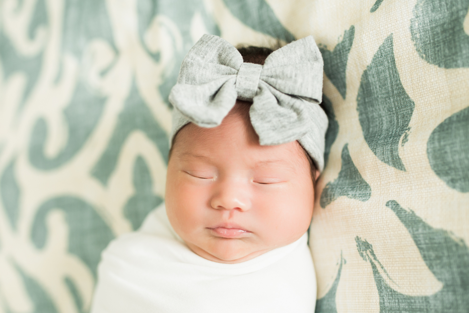Collier County lifestyle newborn photographer