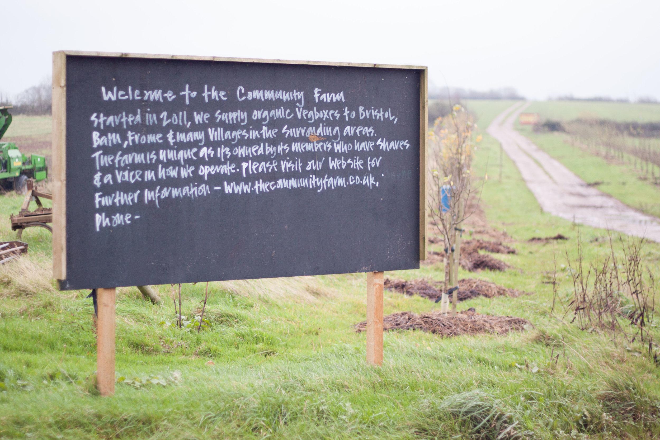 community_farm_sign