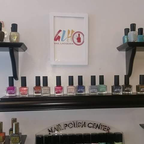 We love walking in @thenailbelle seeing #glhnaillacquer as the featured nail lacquer! #naturalnails #vegan #polishgirl Eco-Friendly #brooklynsalon #nailswag #brooklyn