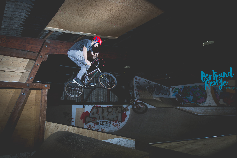 14210957-bike park lausanne.jpg